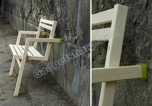 Two-legged self-supporting Bench