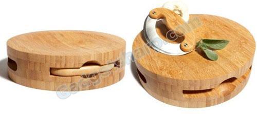 Pinzon Round Bamboo Chopping Block with Inset Mezzaluna