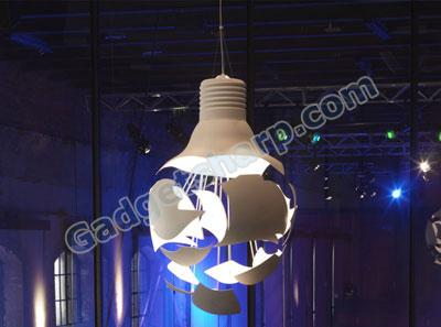 Scheisse pendant light - shaped like a broken bulb