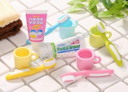 Dental /Toothbrush Set Eraser