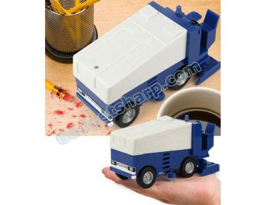 Battery-Operated Zamboni Desk Vacuum
