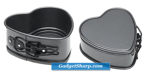 Wilton Excelle Elite 4-Inch Heart Springform Pan