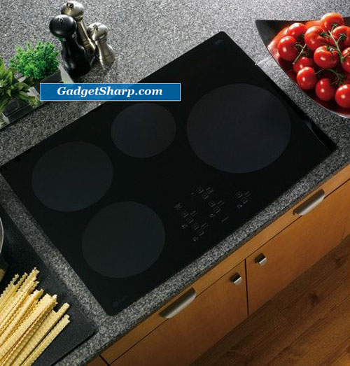 GE Profile CleanDesign : PHP900DMBB 30 Induction Cooktop
