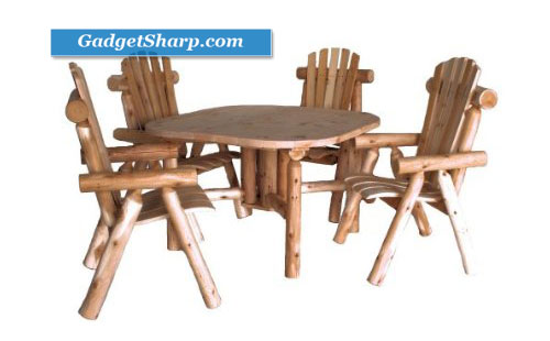 Lakeland Mills CF4730 Cedar Log Roundabout Table with Four Chairs