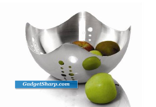 Universal Housewares Wave Fruit Bowl