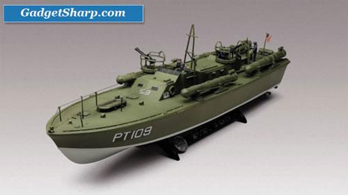 1:72 PT-109 P T Boat